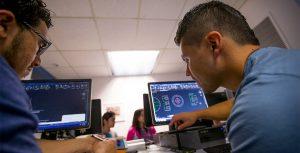 دانشجویان در کارشناسی ارشد امنیت اطلاعات، شبکه و کامپیوتر در NYIT
